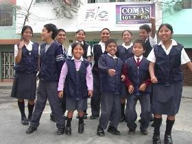 Escolares peruanos