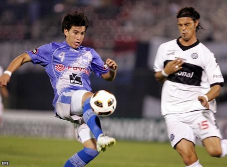 Emelec debutó en su casa venciendo 1-0 al Olimpia de Pelusso y Revoredo