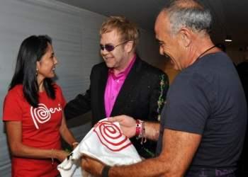 Nadine Heredia y Elton John