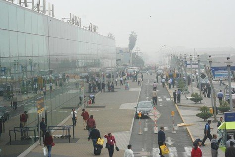 Densa neblina en el aeropuerto Jorge Chávez