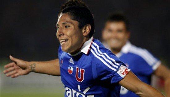 Ruidíaz tuvo otra gran actuación con la U de Chile. Marcó un gol y ayudó en otros dos
