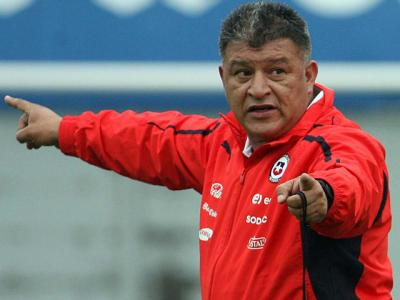 Claudio Borghi convocó a la selección de Chile para amistoso contra Perú
