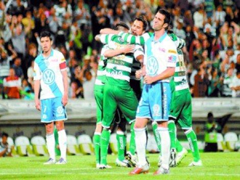 Santos Laguna volvió al primer lugar del campeonato mexicano de fútbol