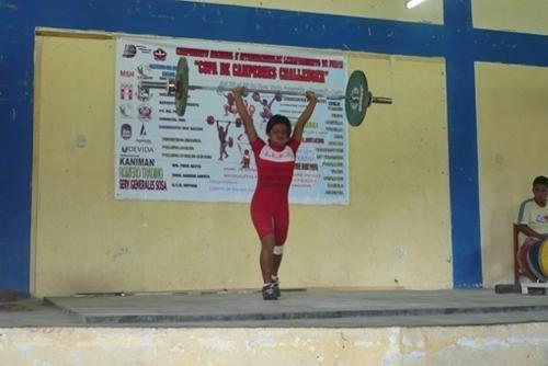 Perú ganó dos medallas de oro en torneo internacional de  levantamiento de pesas