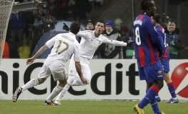 Cristiano Ronaldo celebra uno de sus goles. Real Madrid clasificó a la siguiente fase de la Champions League