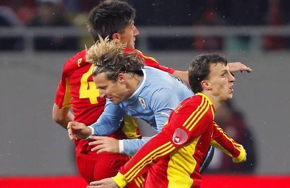 Uruguay continúa invicto. Empató 1-1 con Rumania