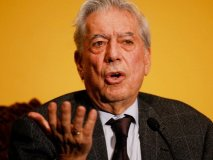 Vargas Llosa rechaza hostilidad de Cristina Fernandez contra la prensa