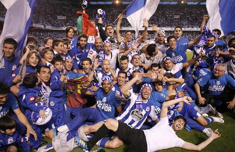 Deportivo La Coruña celebra el retorno a la primera división del fútbol español