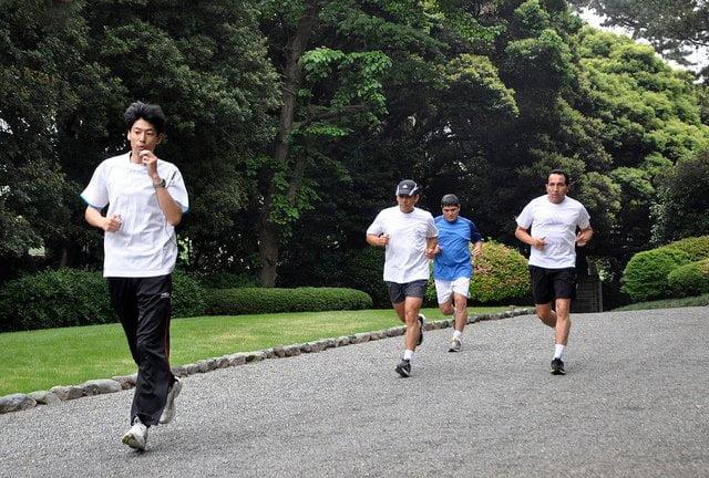 Ollanta Humala trota por los alrededores de Palacio de Akasaka en Japón