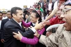 Ollanta Humala salió por fin de Palacio y se acercó al pueblo