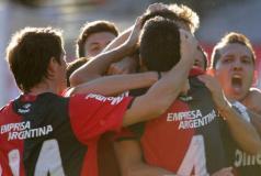Newell's derrptó 3-1 a Unión y es puntero del Clausura argentino