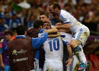 Grecia celebró una clasificación sorpresiva a cuartos de final de la Eurocopa