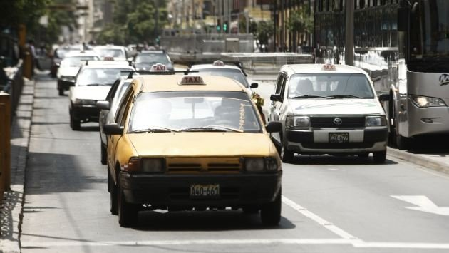 Taxis antiguos con las horas contadas
