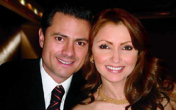 """Enrique Peña Nieto, presidente electo y su esposa """"Gaviota"""""""