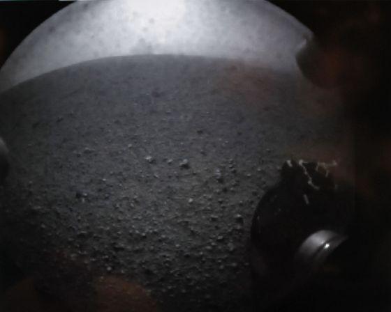 Primera imagen del horizonte de Marte enviada por el 'Curiosity' (NASA)