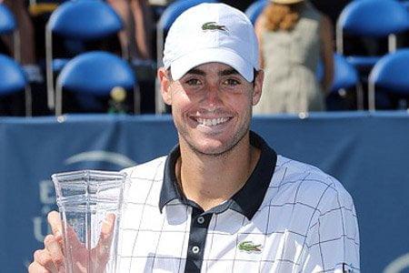 El estadounidense John Isner obtuvo por segunda vez consecutiva el torneo Winston Salem