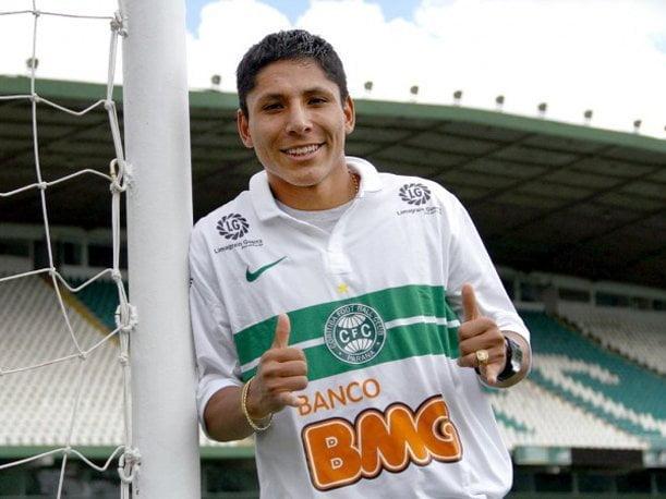 Raúl Ruidíaz jugará las próximas tres temporadas en el Curitiba de Brasil