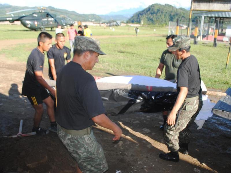 Soldados en base militar (referencial)