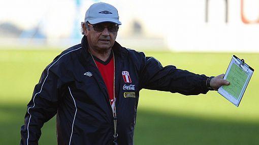 Sergio Markarián ya empezó su trabajo con miras al choque ante Bolivia. Convocó a 15 futbolistas del medio local