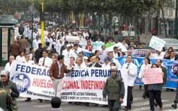 Médicos terminan huelga