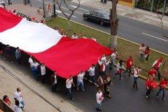 Bandera más grande del Perú