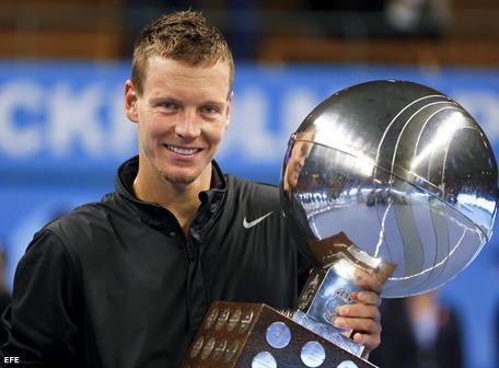 Berdych campeonó en Estocolmo y logró meterse dentro de los ocho mejores tenistas del año, los cuales disputarán el Torneo de Maestros