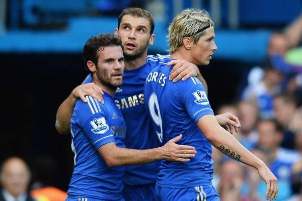 Chelsea es líder con cuatro puntos de ventajas sobre Manchester United y Manchester City, respectivamente