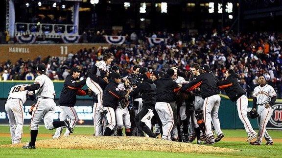 Los Gigantes de San Francisco se consagraron como campeones de la Serie Mundial 2012 de Béisbol al barrer a los Tigres de Detroit