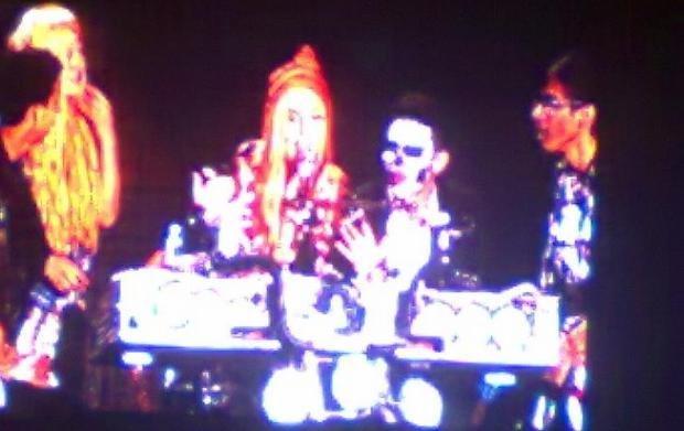 Lady Gaga con trajes típicos (Cortesía Cris Vílchez)