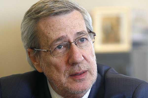 Alberto Van Klaveren (Emol)