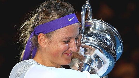 La bielorrusa Azarenka logró permanecer en la supremacía del ranking femenino de tenis al ganar el torneo de Melbourne