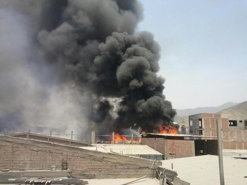 Incendio en San Juan de Lurigancho (Cortesía @luisyazid)