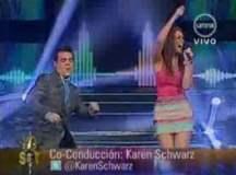 """Yo Soy: El """"Agüita de coco"""" hace bailar a Karen Schwarz y Adolfo Aguilar"""