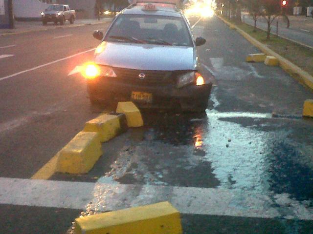 Chofer intentó voltear a la izquierda en la avenida Javier Prado y provoca accidente (Foto: RPP)