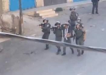 Video revela como israelíes utilizan a palestino como escudo humano