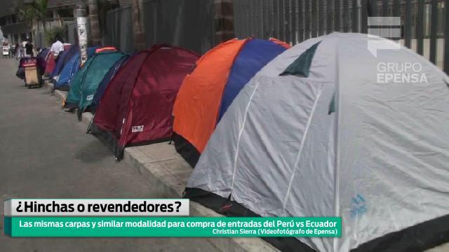 Correo comprobó sospechosas similitudes de los que hacen cola en las afueras del Estadio Nacional