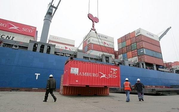 Las exportaciones peruanas cayeron en los primeros tres meses del 2013 al disminuir principalmente las demandas tradicionales.