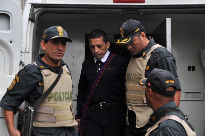 Tres magistrados del TC apoyan a Antauro Humala pero se queda en prisión