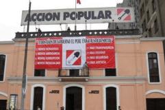 Jóvenes de AP contra reelección conyugal y recuerdan a Violeta Correa