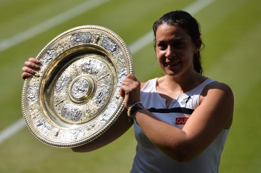 La francesa Marion Bartoli conquistó el Abierto de Londres sin conceder set alguno.