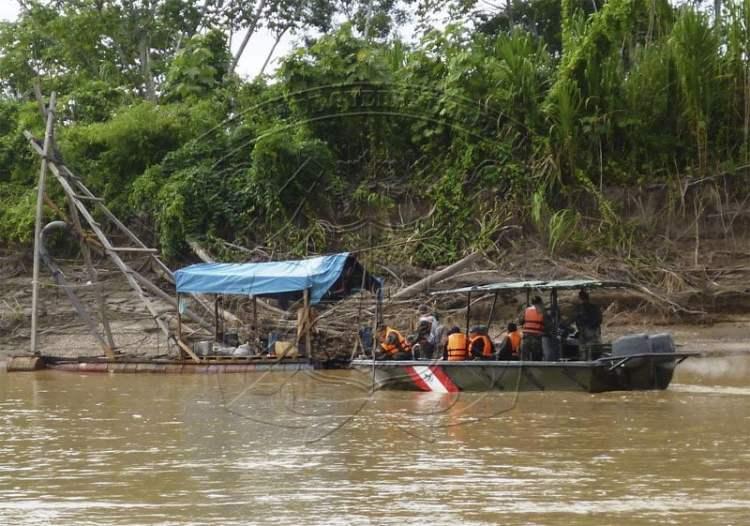 Incautan armamento y municiones a narcoterroristas en Iquitos
