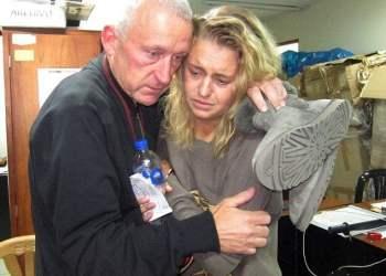 (Foto Daily Mail) ¿Novela policial en la Dircote? Burrier británica se reúne con su padre