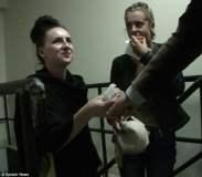 Británicas detenidas con drogan ríen en video pero aseguran que las obligaron