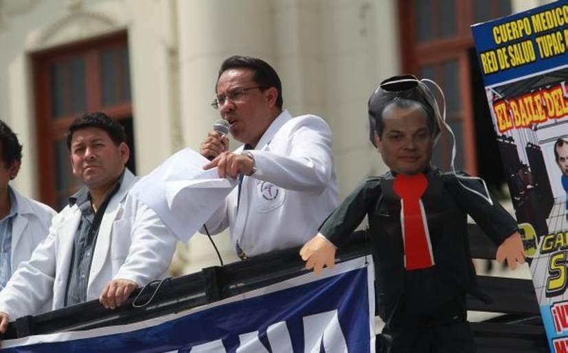 Huelga médica continúa tras primera reunión con el gobierno