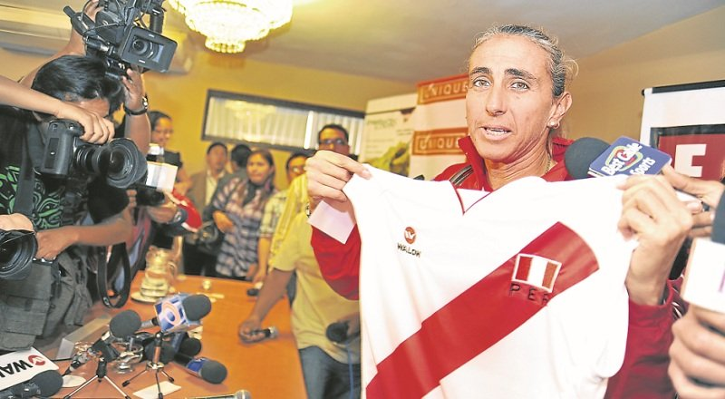 Natalia Málaga no renunció aclara la Federación Peruana de Vóley