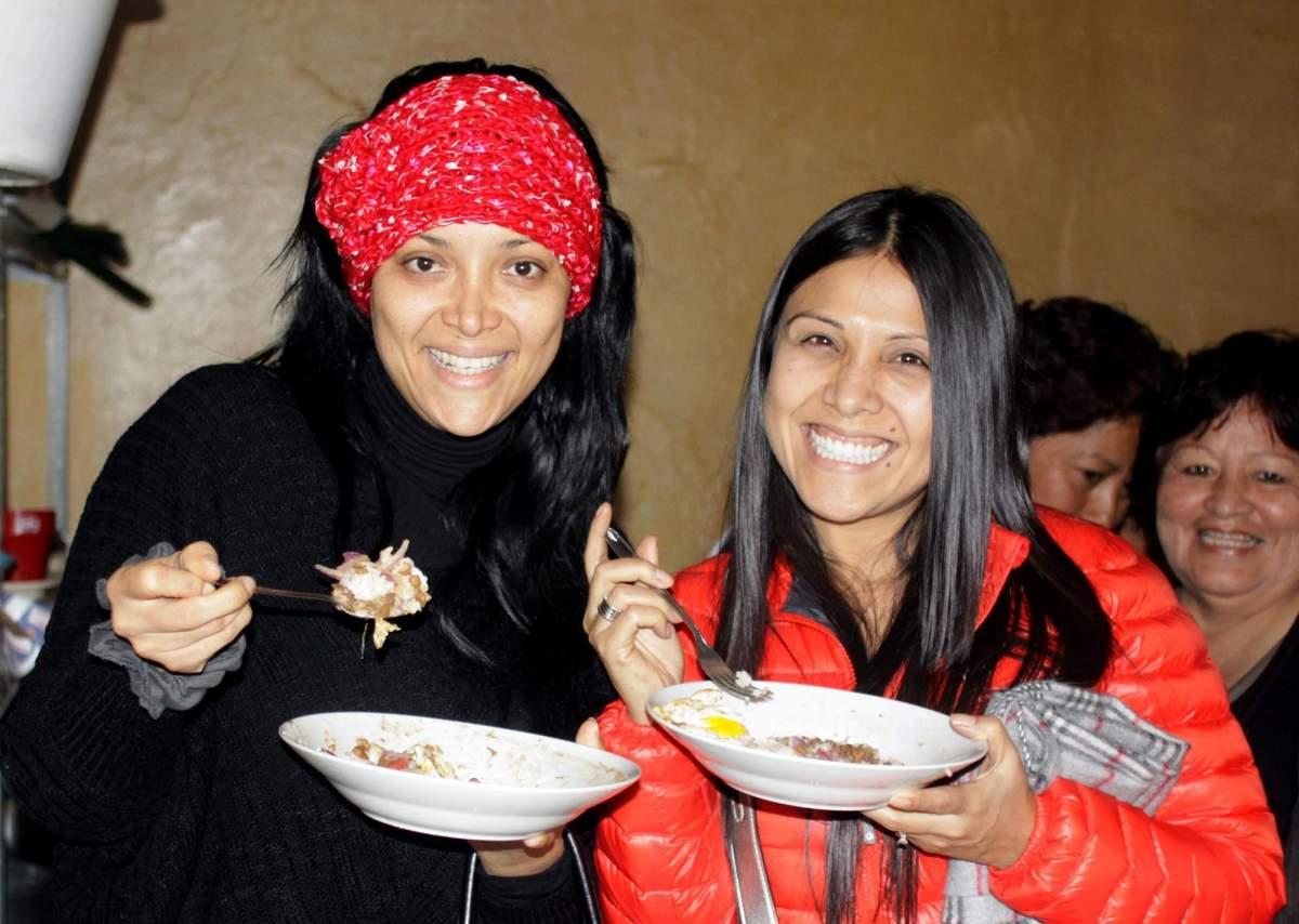 (Difusión) Tula y regidora Zanetti ayudan a comedor popular