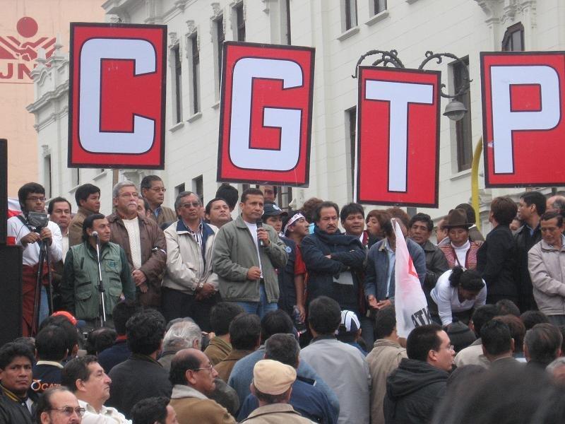 Dirigentes de la CGTP y Mario Huamán participarían en política