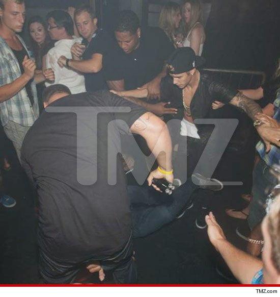 (Fotos TMZ) Justin Bieber habría sido atacado en discoteca de Canadá tras salir de zona VIP