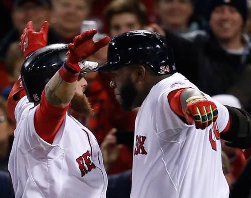 Entre Mike Napoli y David Ortiz generaron seis carreras (sumados sus respectivos remolques)  para darle la primera victoria en la Serie Mundial 2013 a los Medias Rojas de Boston.