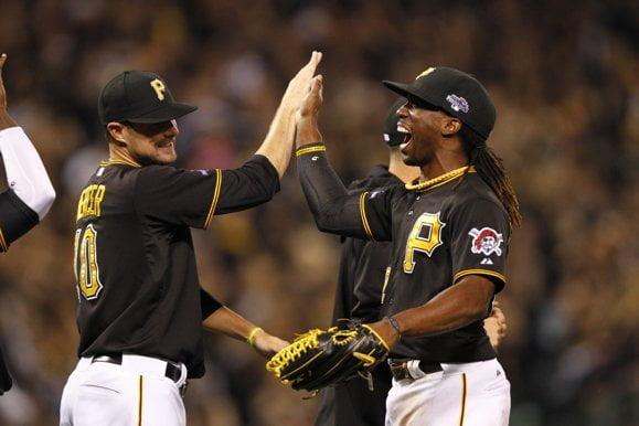 Los Piratas de Pittsburgh celebran su pase a la Serie Divisional de la Liga Nacional.